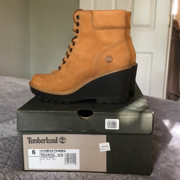 0d4cded8438 Timberland Women s Kellis Ankle Boot. M 5b170df8e944ba0c680ac73a